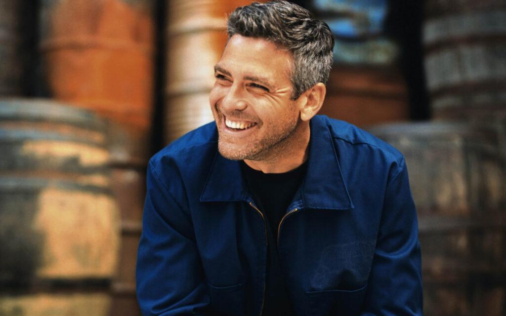 George Clooney Wallpaper @ go4celebrity.com
