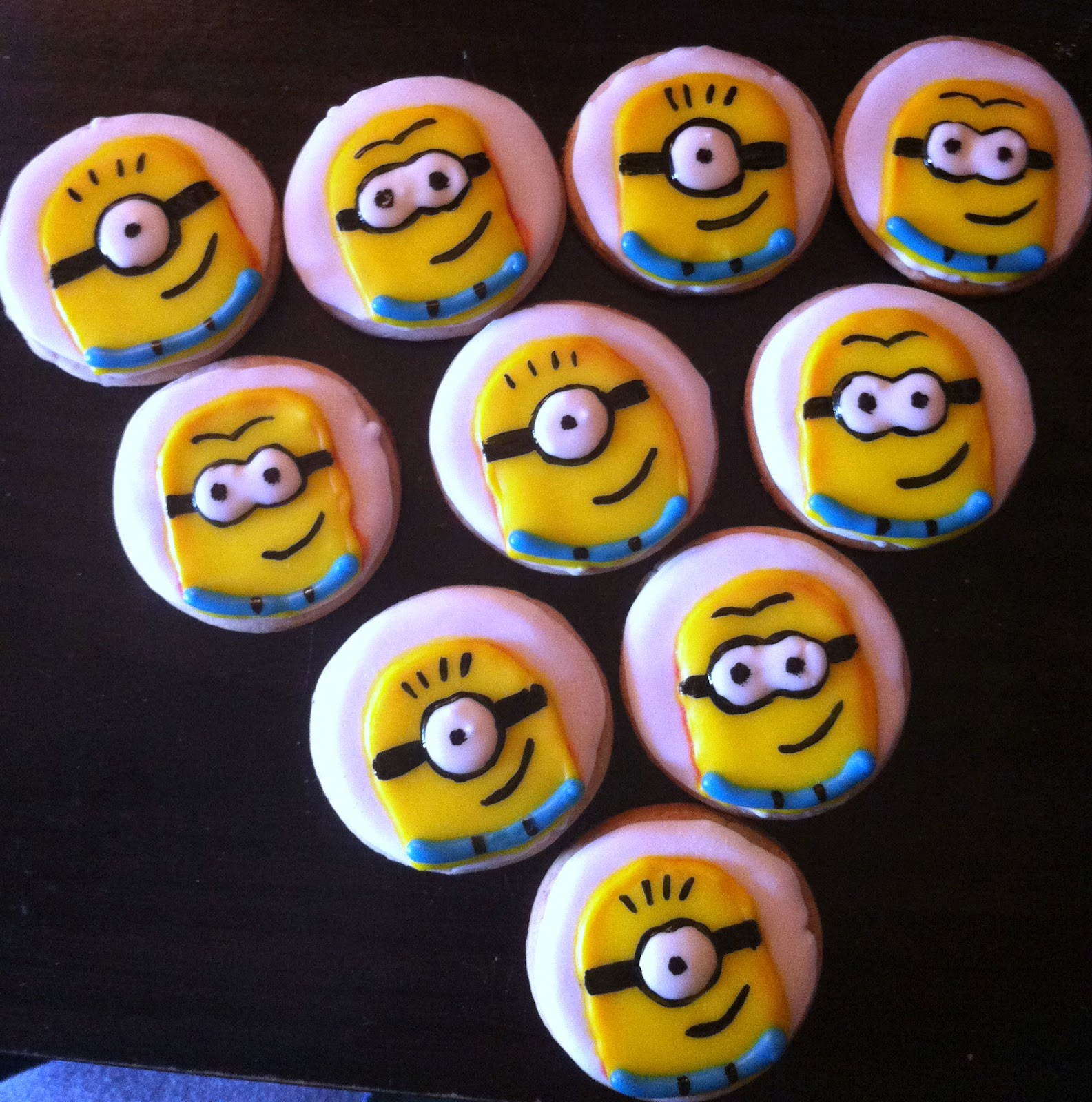 how to make minion cupcakes at home